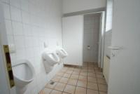 3_Herren-Toilette_.jpg